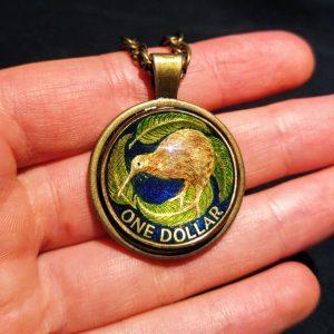 New Zealand, 1 Dollar (Kiwi Bird), Dark Blue, Lime Green & Touch of Brown, Brass Settings
